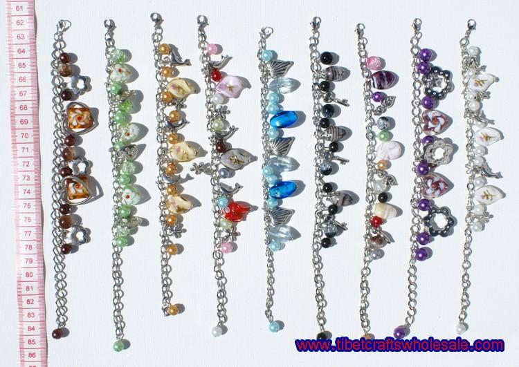 metalo apyrankės su kristalais