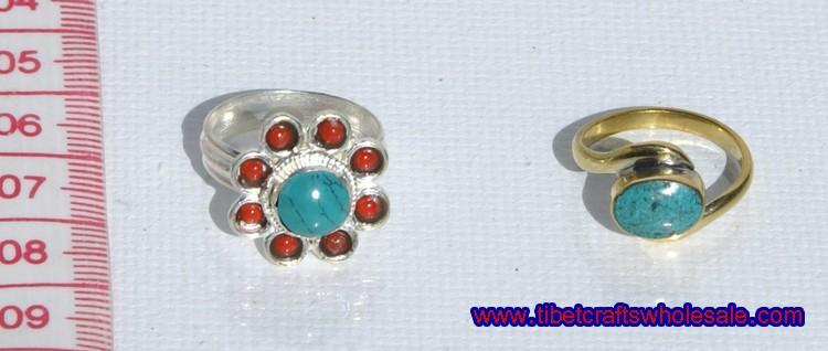 пръстени с тюркоазени камъни