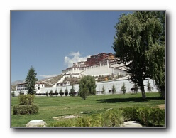 Potala Palace panorama
